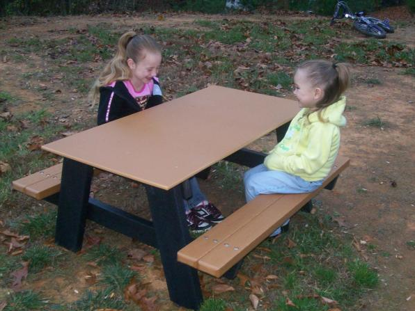 Attractive 4u0027 Kids A Frame Recycled Picnic Table