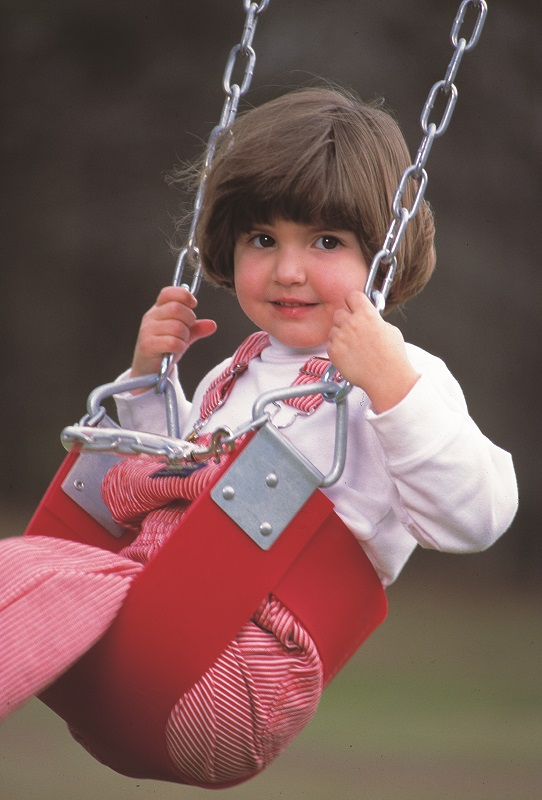 kid on swing 2.jpg