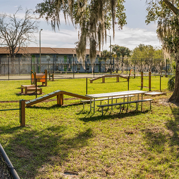 Lake Apartments Dog Park - Orlando, FL